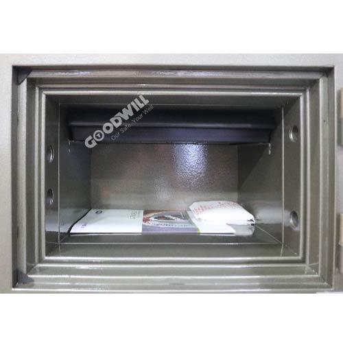 Bên trong chiếc két sắt chống cháy chất lượng