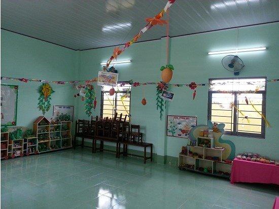 két sắt goodwill - phòng học của trường