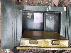 chiếc két sắt kém chất lượng