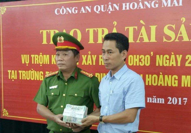 Trộm két sắt tại trường THPT tại Hà Nội