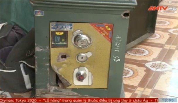 Phá két sắt ở Thái Bình
