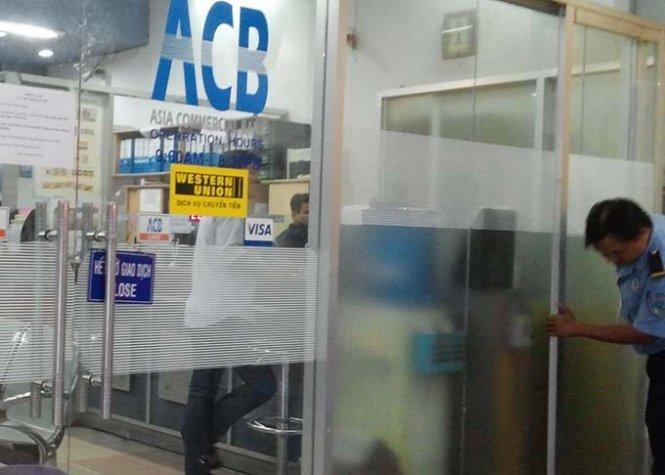 trộm két sắt ngân hàng tại ACB