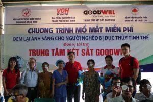 Hỗ trợ chương trình mổ mắt mang lại ánh sáng cho bà con nghèo