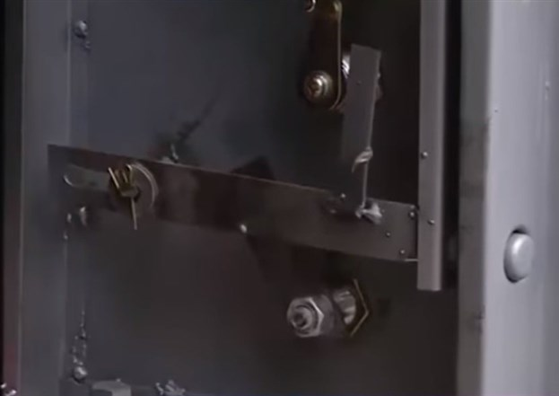 Cấu tạo khóa két sắt kém chất lượng