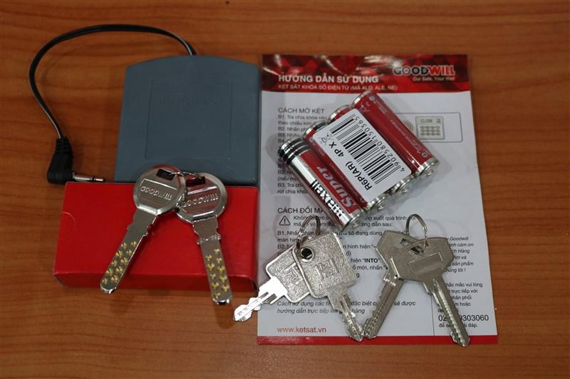 Vai trò của chìa khóa phụ và hộp tiếp pin
